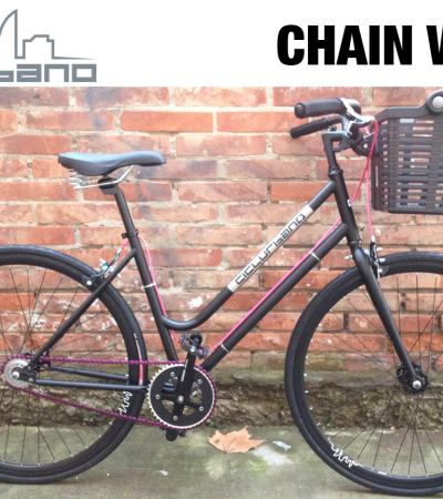 CU modello Chain Woman
